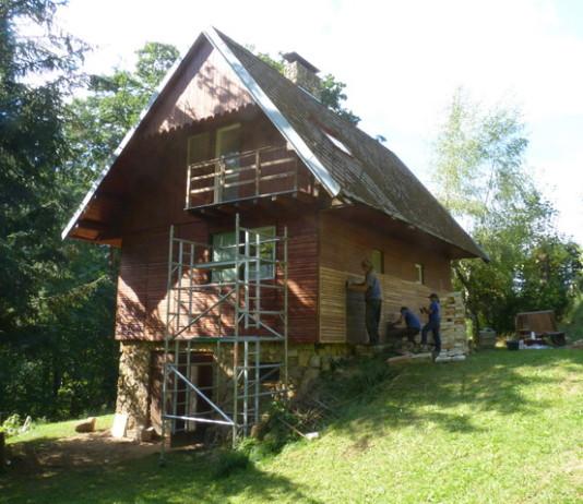 Obnova nátěrů rekreační chaty