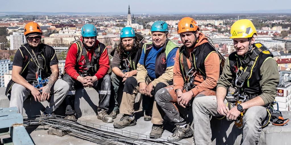 Horolezci na střeše